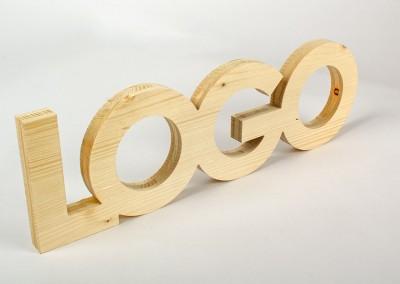 Logos en bois découpé